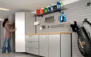 rent och snyggt garage som är organiserat